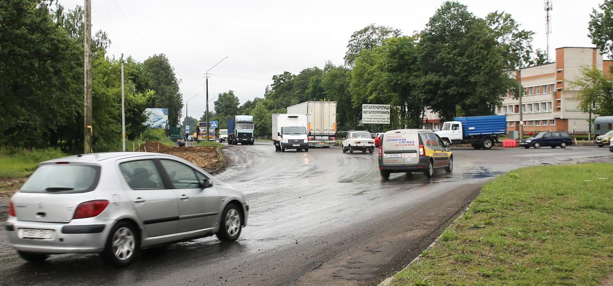 Новая кольцевая развязка появится в Барановичах на улице Бадака. Фото: Татьяна МАЛЕЖ