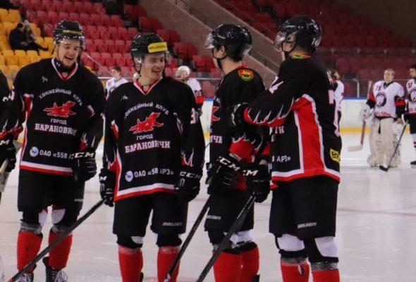 С каким названием и составом вступает в сезон барановичский хоккейный клуб