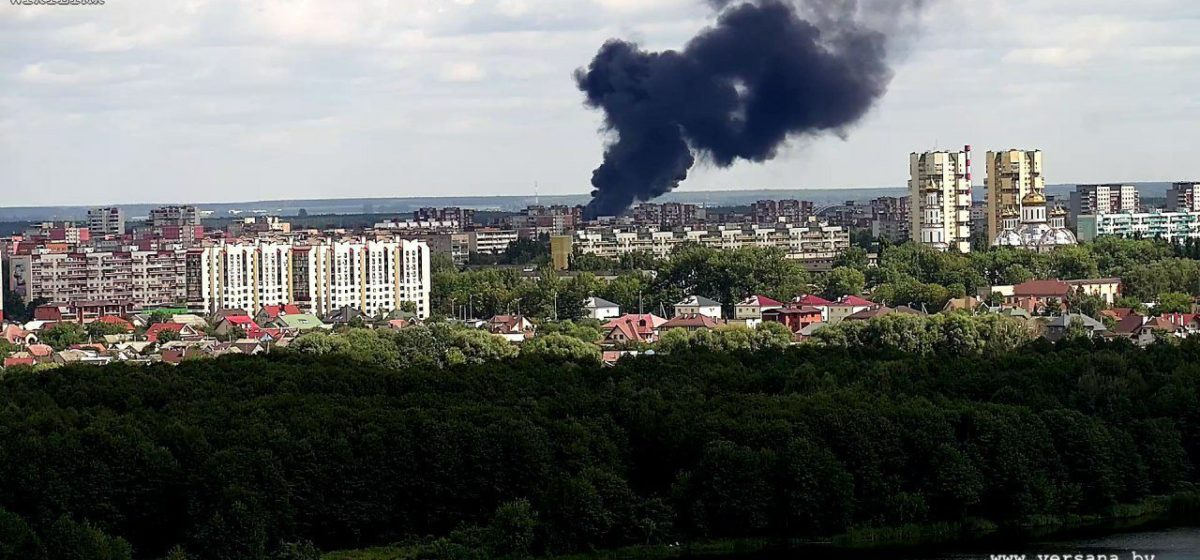 В Бресте горела нефтебаза. Фото