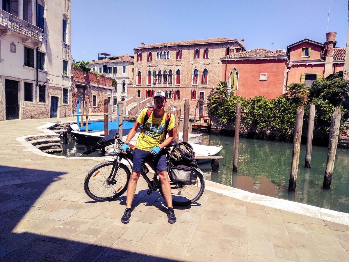 Июнь 2019 года. Олег Гончарук на улицах Венеции. Фото: личный архив