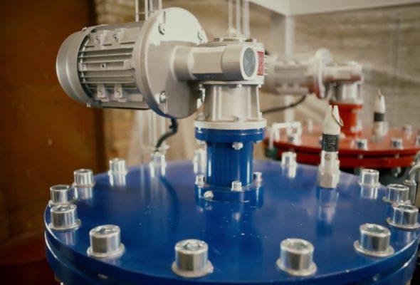Нюансы и технология: заливочные машины высокого давления