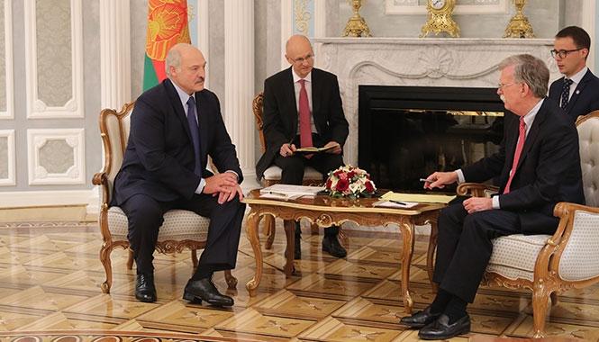 Лукашенко на встрече с советником Трампа предложил откровенно поговорить об отношениях двух стран