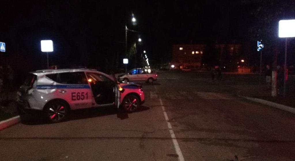 Машина Департамента охраны попала в аварию и перевернулась в Осиповичах. Видеофакт