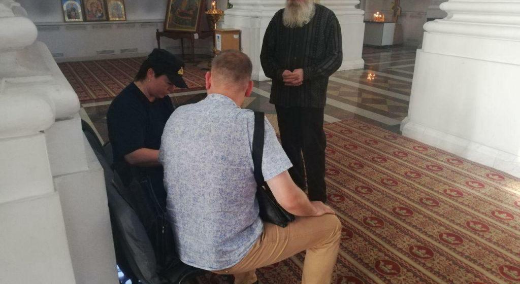 Верующий задержал в соборе в Витебске пьяного грабителя из России