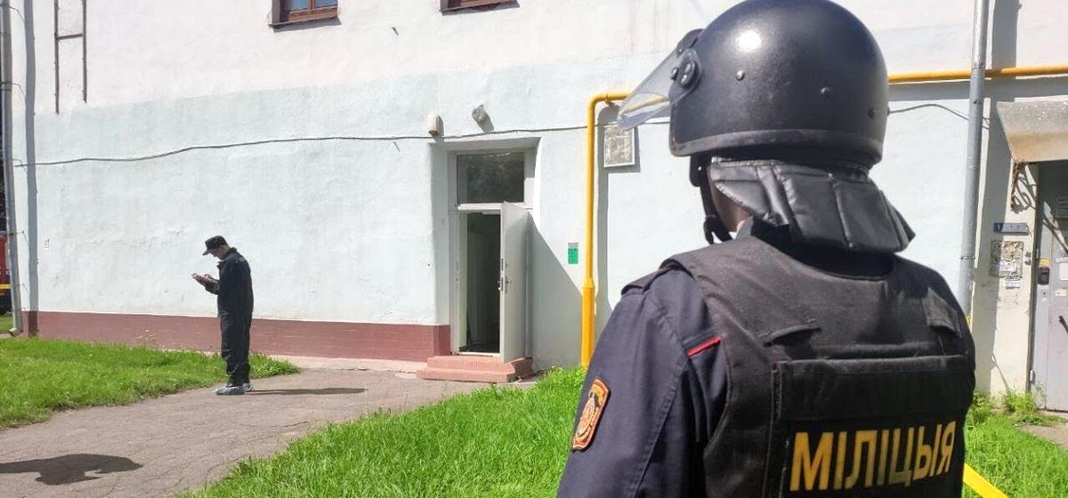 Дерзкое ограбление ювелирного магазина в Минске. Преступники связали продавцов и распылили слезоточивый газ