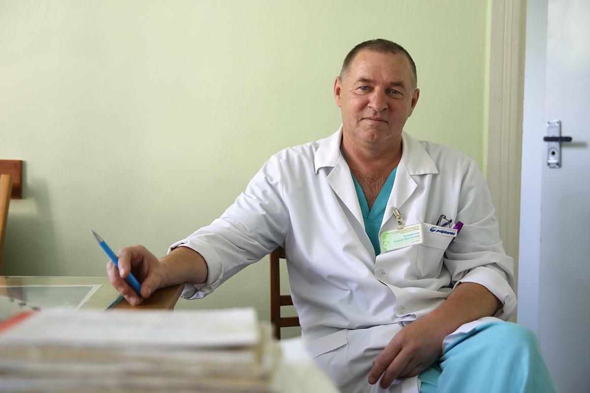 По словам Андрея Кожевникова, каждый третий пациент на приеме у уролога – с проблемой мочекаменной болезни. Фото: Intex-press