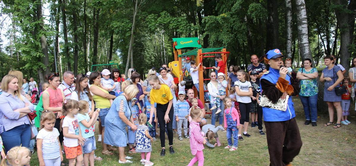 Детский игровой комплекс открылся в барановичском парке «Натхнёныя Перамогай»