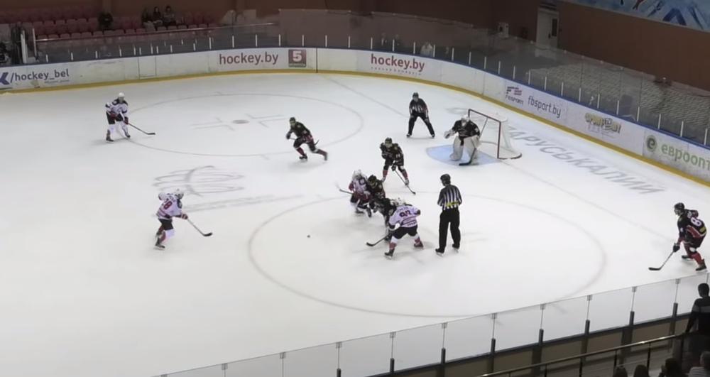 Барановичская хоккейная команда «Авиатор» проиграла у себя дома одному из фаворитов — ХК «Неман»