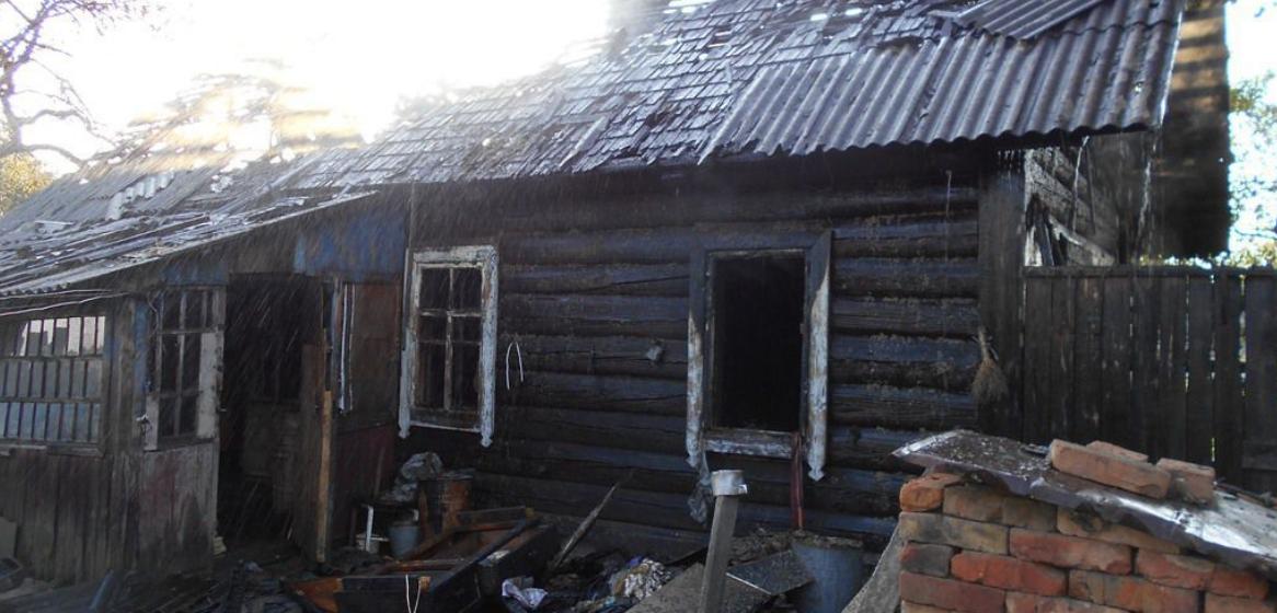 В Бобруйском районе сгорел дом. Внутри был гроб с телом хозяина