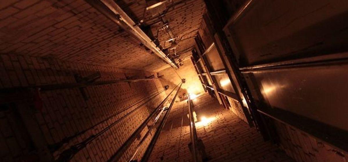 Сколько лифтов, отработавших нормативный срок, нужно заменить в Барановичах