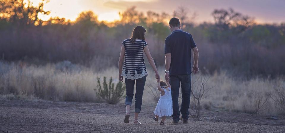 Советы психолога. Как познакомить ребенка с новым «папой» и наладить их отношения