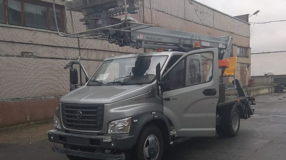 Барановичское городское ЖКХ получило новую автовышку. Фото