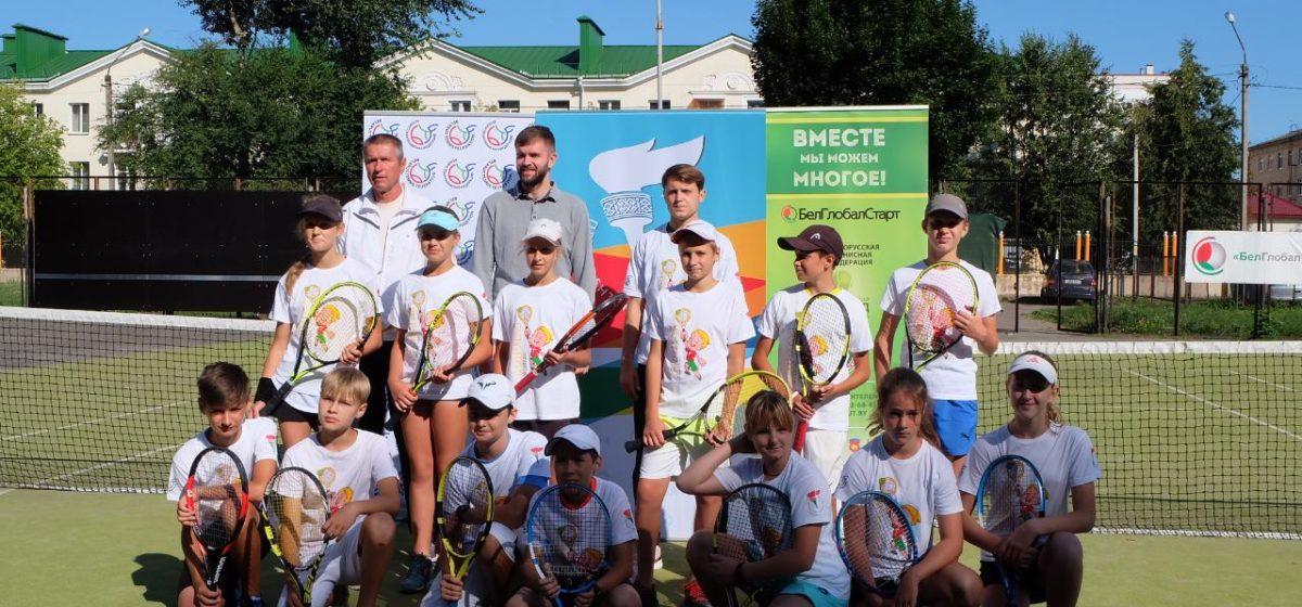 Как юные теннисисты Барановичей сыграли матч чемпионата Беларуси со сверстниками из Витебска