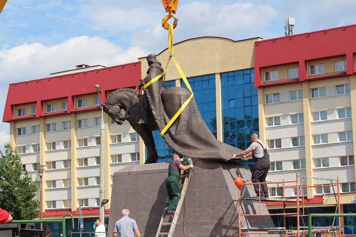 Памятник князю Гедимину установили в Лиде. Фотофакт