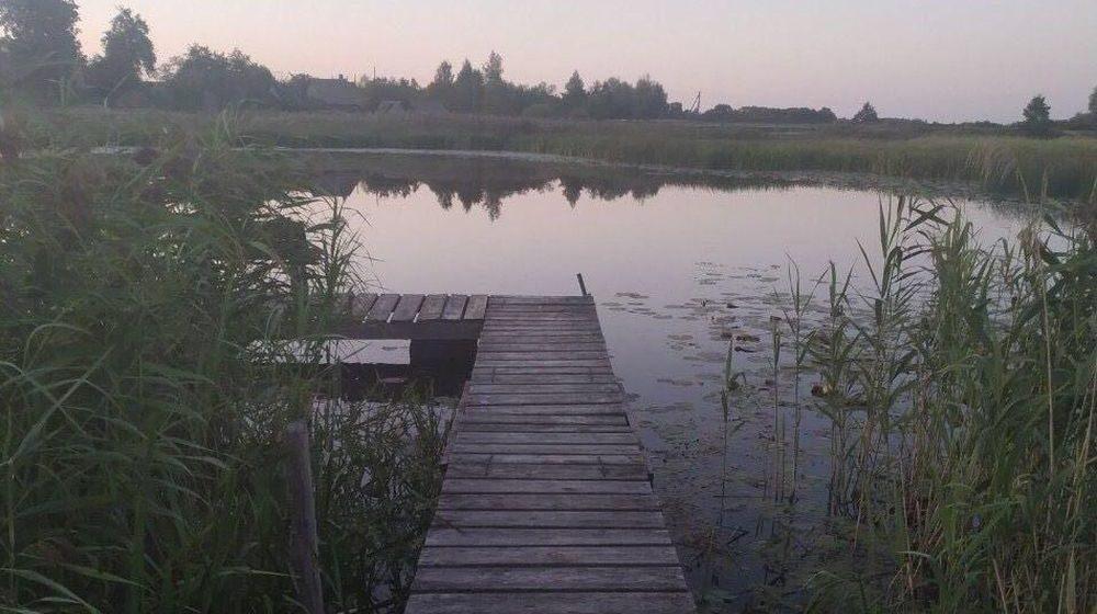 Двухлетний малыш ушел со двора дома и утонул в реке в Поставском районе