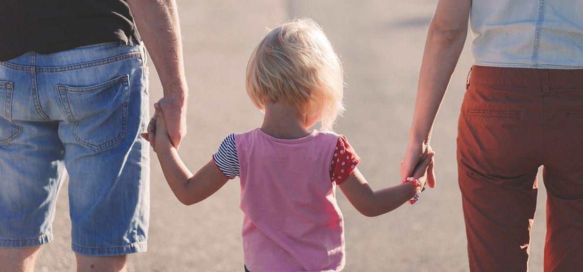 Как сказать ребенку, что он приемный?