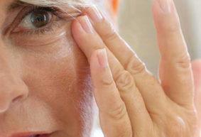 Как замедлить старение кожи и правильно за ней ухаживать тем, кому за 50. Советы от косметика