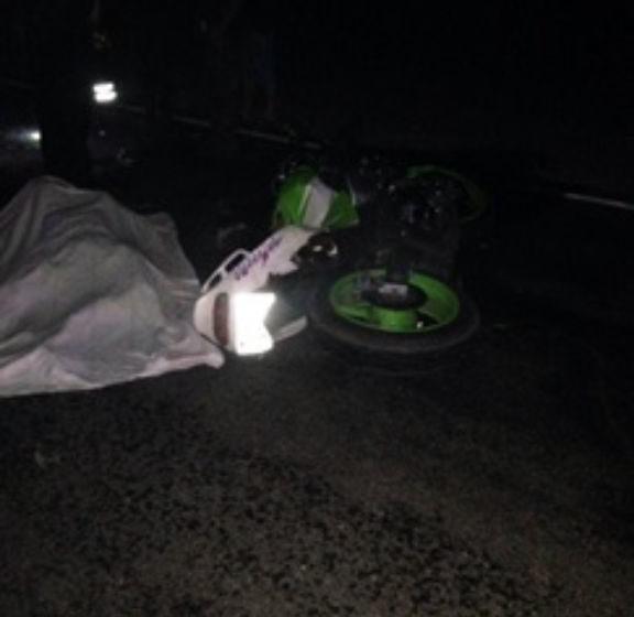 Под Любанью мотоциклист на скорости влетел в трактор. Байкер скончался