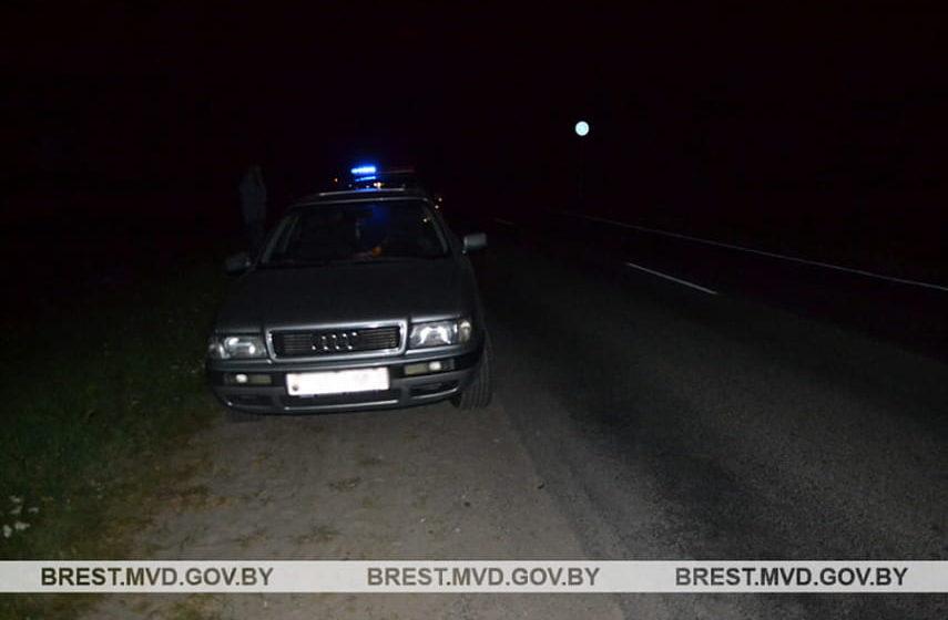 Под Брестом легковушка сбила 14-летнюю девочку