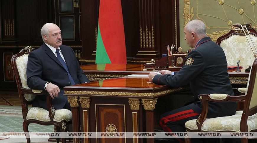 Через две недели после разноса «прибуревших» силовиков Лукашенко заявил, что претензий к МВД практически нет