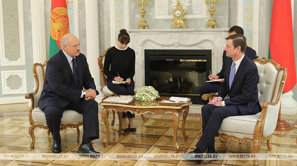США и Беларусь решили вернуть послов