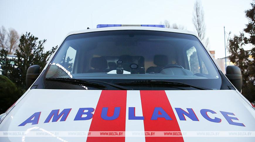 Женщина попала в больницу в Брестском районе  после того, как пыталась достать ребенка через окно машины