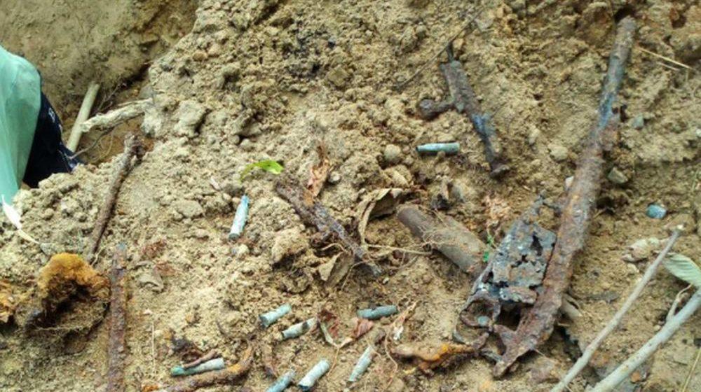 Винтовку и гильзы времен ВОВ нашли в центре Барановичей
