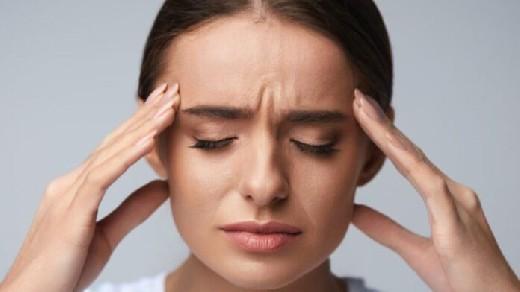 Почему часто голова болит и кружится при перепадах погоды