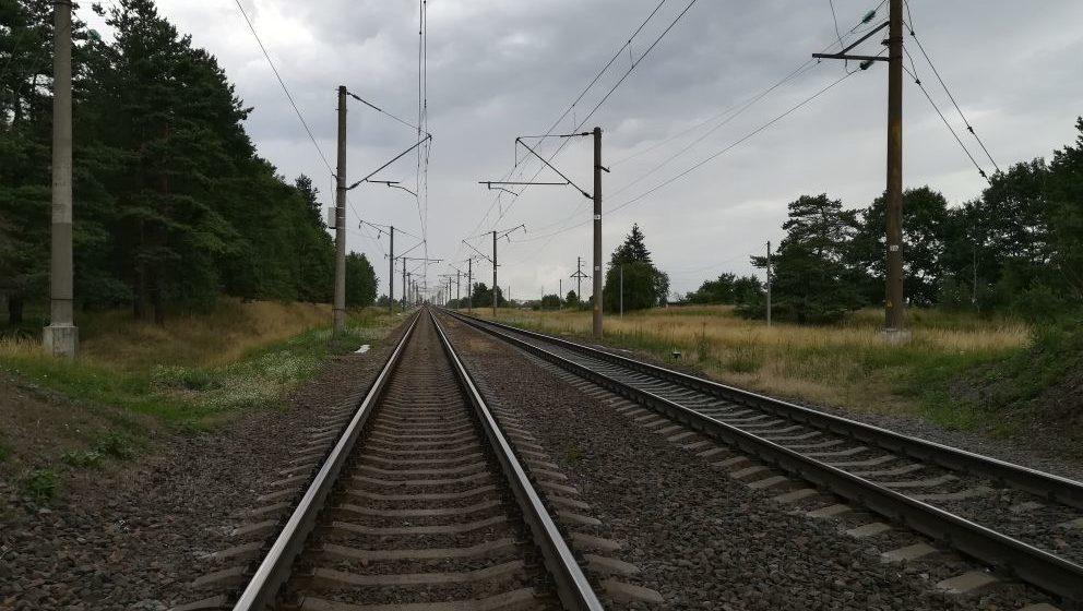 В Новополоцке под поезд попал 18-летний парень, он погиб