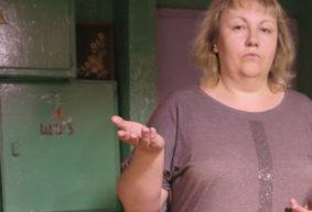 В барановичских общежитиях убирают вахтеров и устанавливают домофоны. Жильцы возмущены изменениями, опасаясь воров и пьяных дебоширов