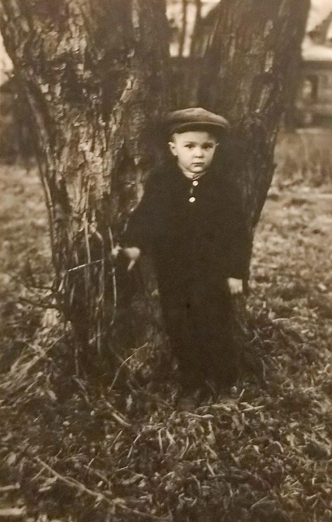 Анатолий Калеников в детстве. Фото: личный архив