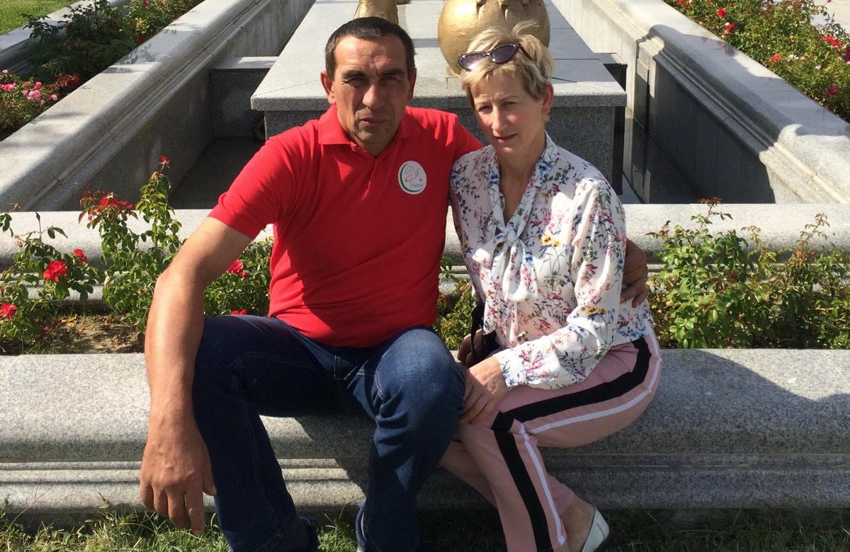 Сергей и Людмила Евсевицкие в парке Независимости в г. Ашхабаде. Фото: Архив семьи Евсевицких