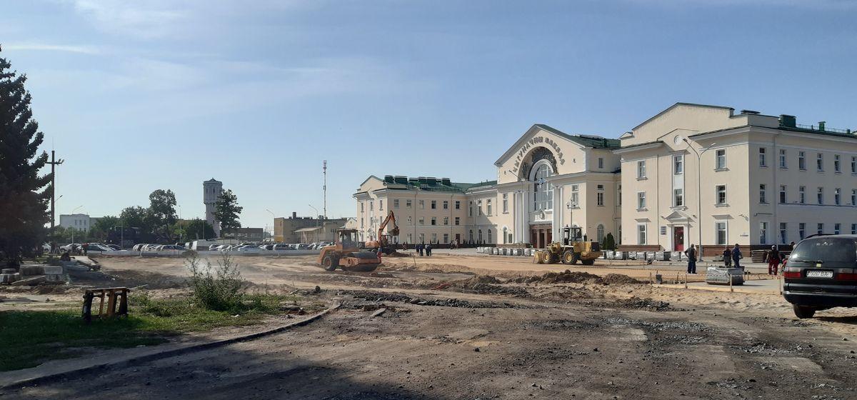 Памятный знак хотят установить около вокзала «Барановичи-Полесские». Горисполком проводит конкурс проектов