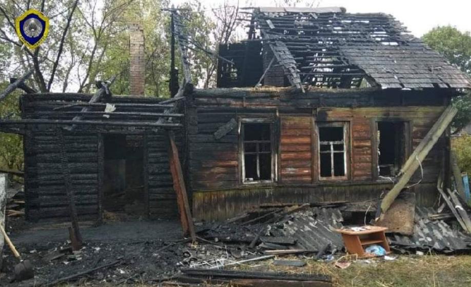 На Гомельщине парень вынес из горящего дома двух знакомых, но сам погиб