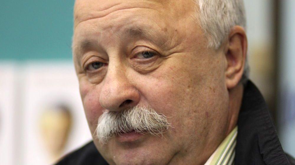 Леонид Якубович вернулся из отпуска в Черногории в инвалидном кресле