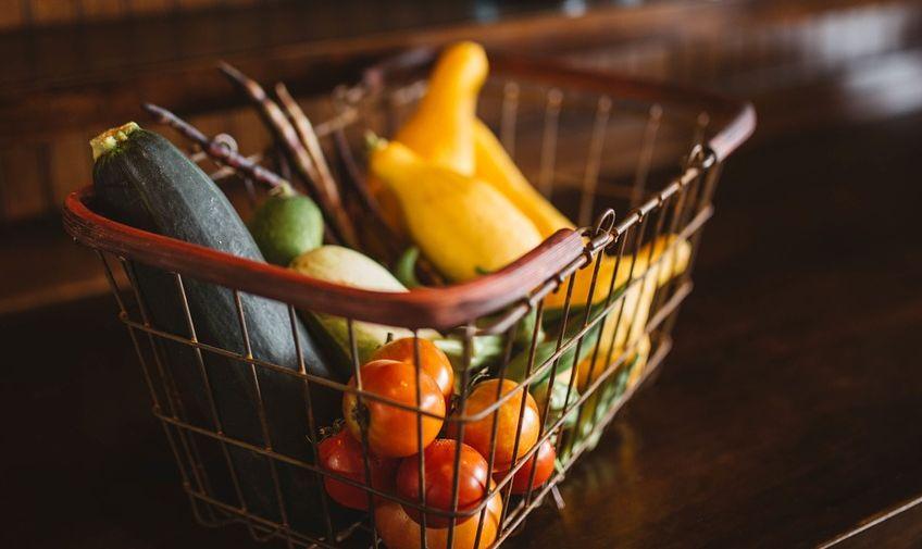 Белстат: в августе больше всего подорожали яблоки и огурцы, подешевели — помидоры и морковь
