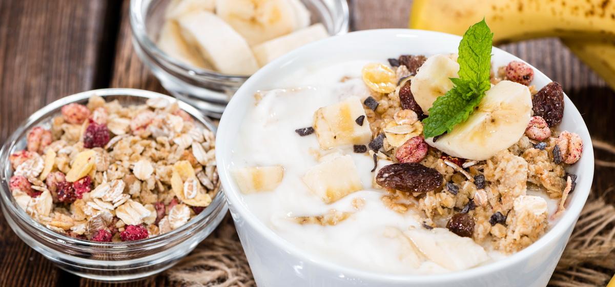 Вкусно и просто. Мюсли с йогуртом и фруктами