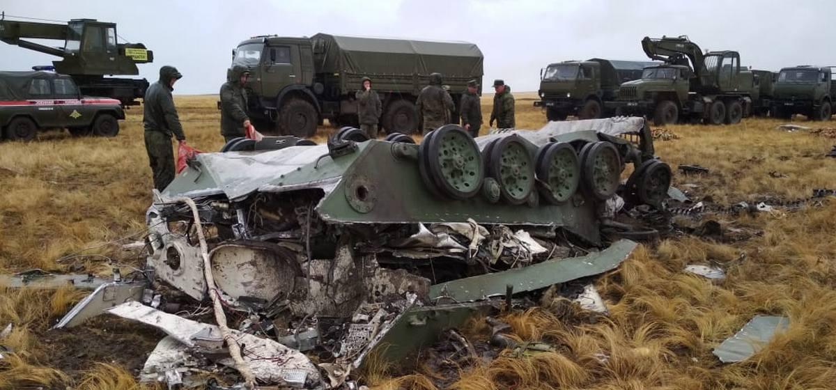 В России две боевые машины десанта разбились на учениях при десантировании. Видео