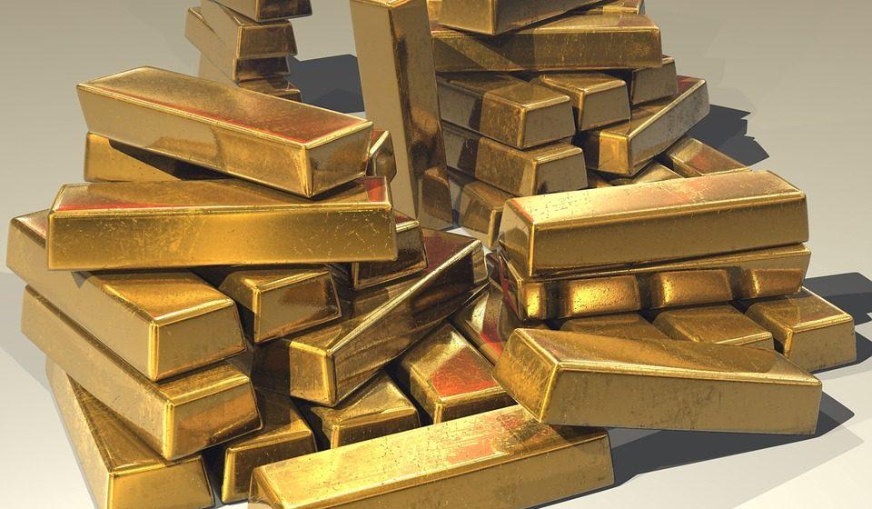 Китайский чиновник прятал в подвале 13 тонн золота и почти 40 миллионов долларов. Видео