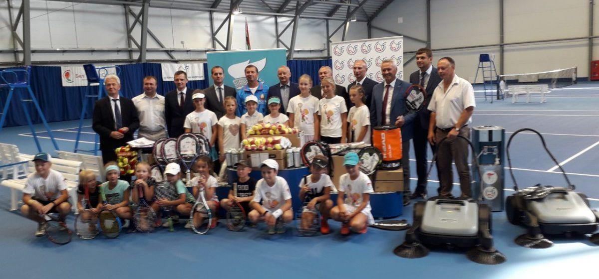 Команда юных барановичских теннисистов продолжает выигрывать