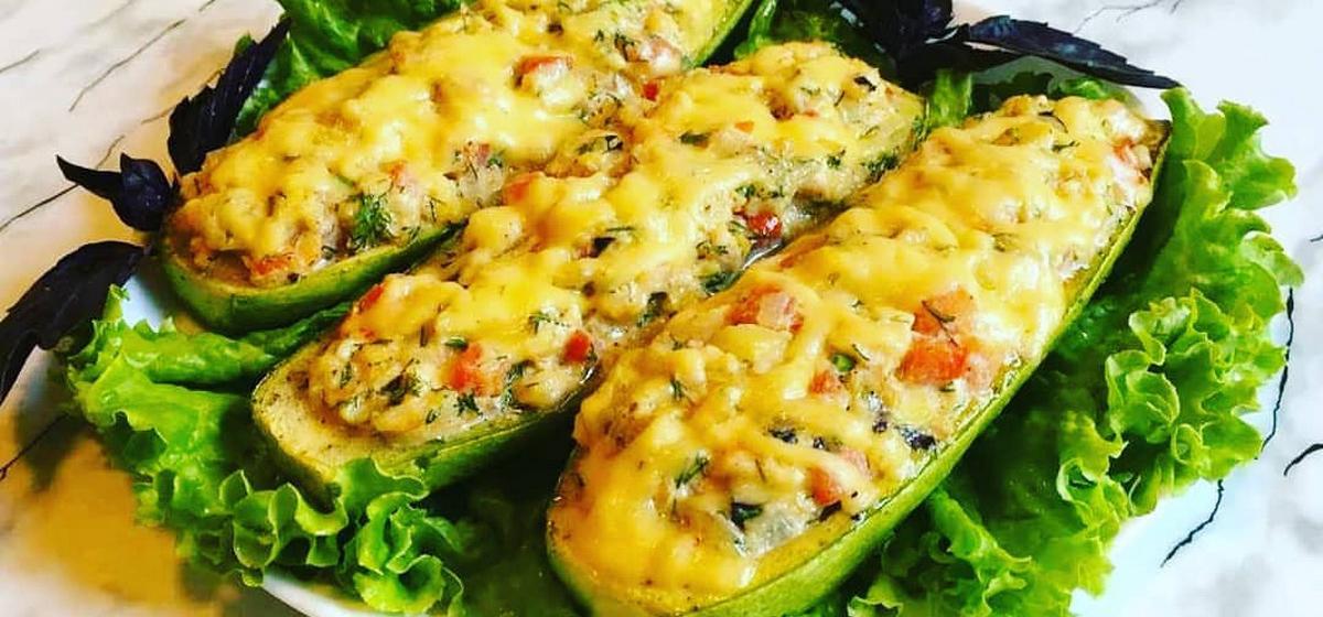 Вкусно и просто. Фаршированные кабачки с рисом и овощами в духовке