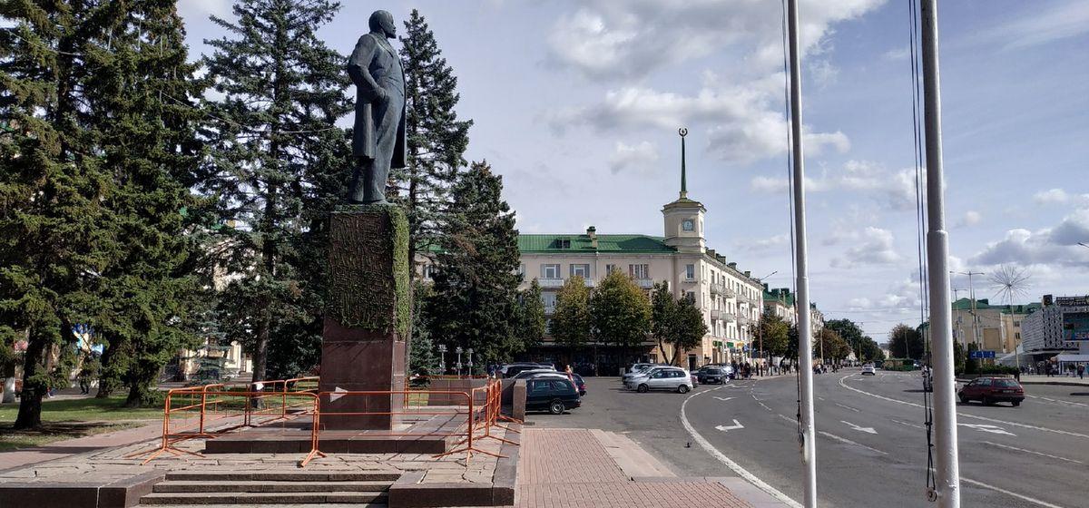 Сколько денег потратят на проект по ремонту памятника Ленину в Барановичах