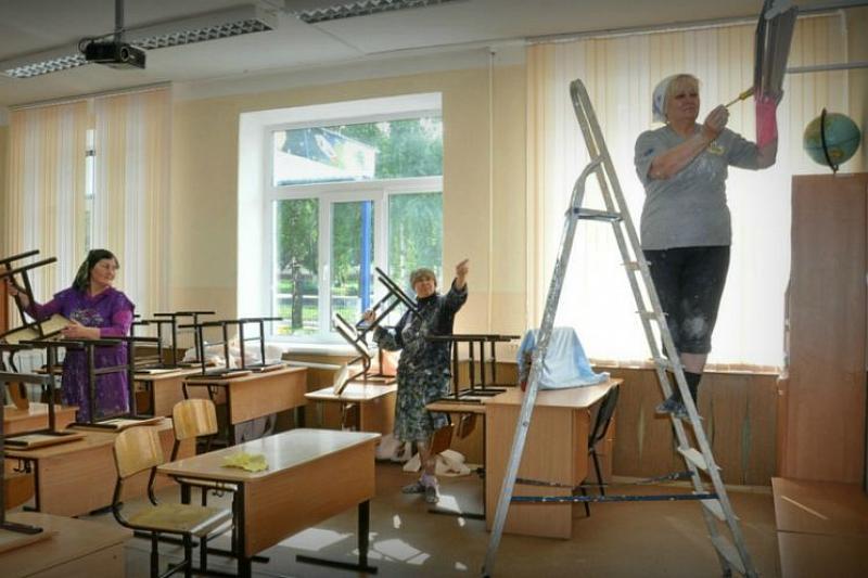 Беларусь заимствует у Всемирного банка 90 млн евро на ремонт 220 школ. Родителям можно больше не сдавать?