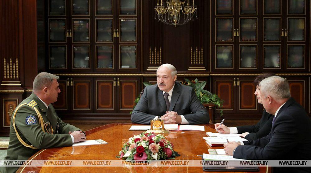 Лукашенко: «Не дай бог что, мы, люди в погонах, все пойдем на фронт, если угроза будет извне»