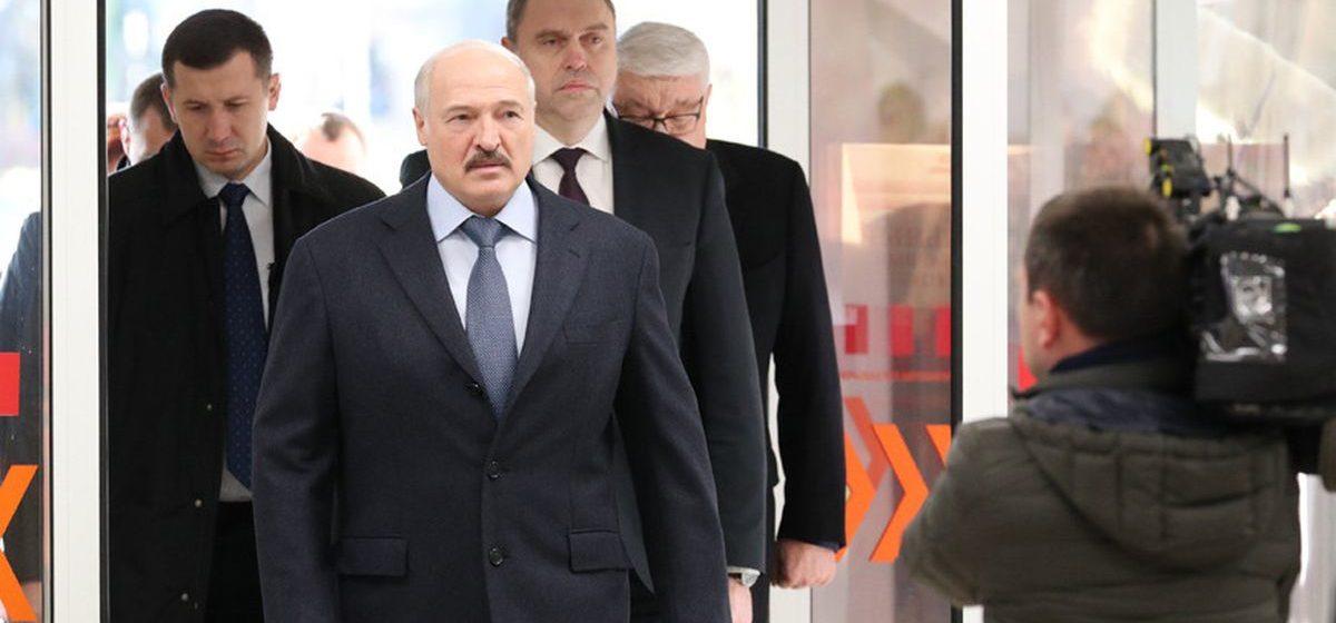 Лукашенко о трудовой миграции медиков: «Нас это волнует, но не напрягает»