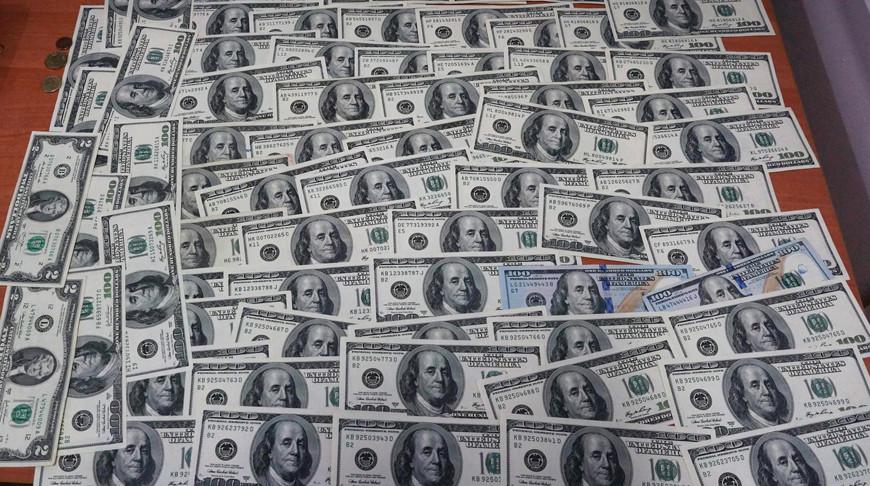 На границе задержали россиянина, который перевозил  почти 20 тысяч валюты
