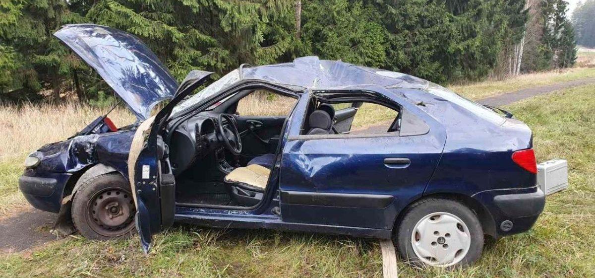 Пьяный водитель на Citroen вылетел в кювет и перевернулся в Островецком районе — погиб один человек