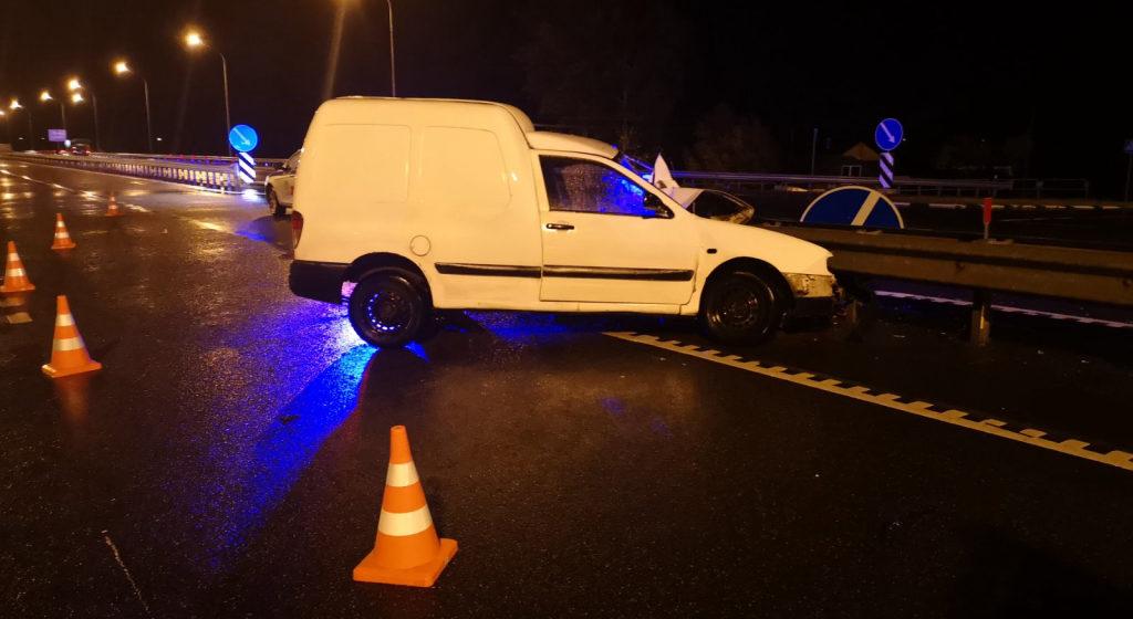Под Слуцком водитель остановился, чтобы помочь пострадавшим в ДТП, и сам был сбит проезжавшей машиной