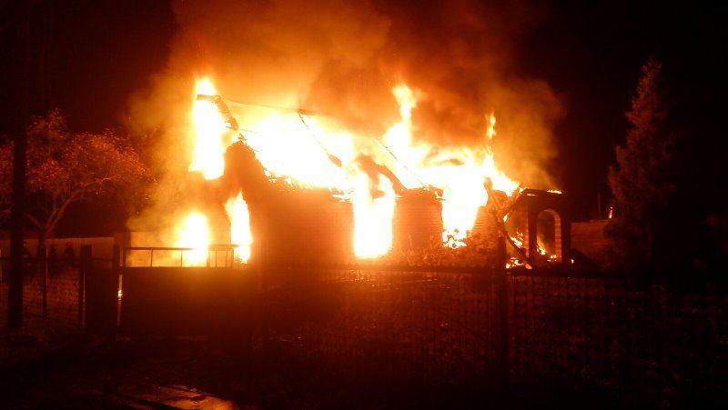 В Барановичском районе полностью сгорел дом