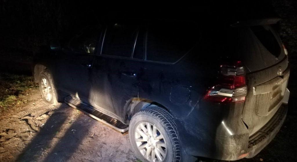 В Молодечно пьяный россиянин врезался в служебный автомобиль, чуть не сбил инспектора ГАИ и скрылся. Останавливали его со стрельбой
